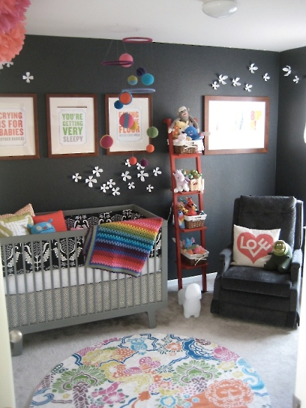 kids-room-black-wall